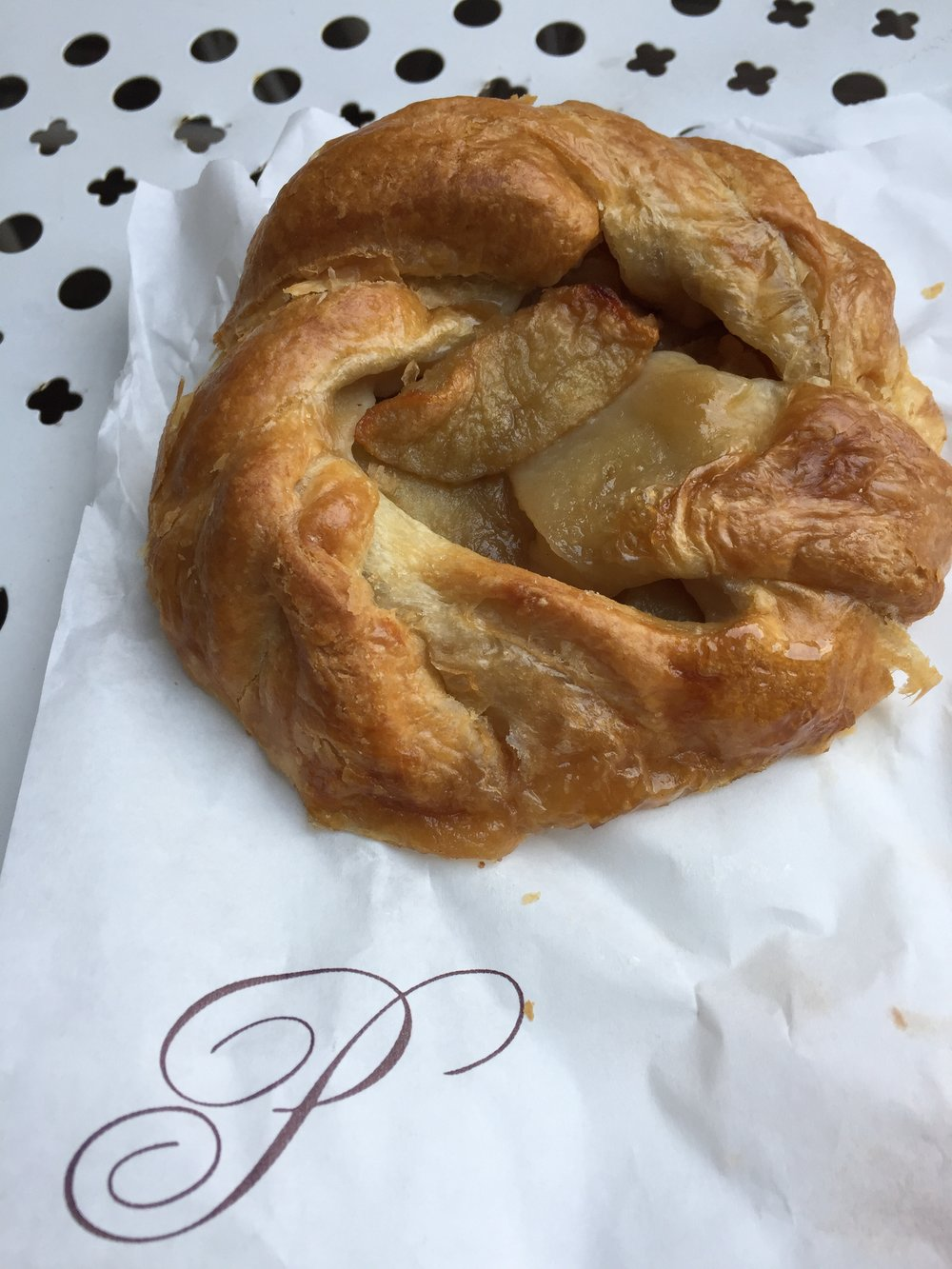 Tartelettes aux pommes @ Poilâne