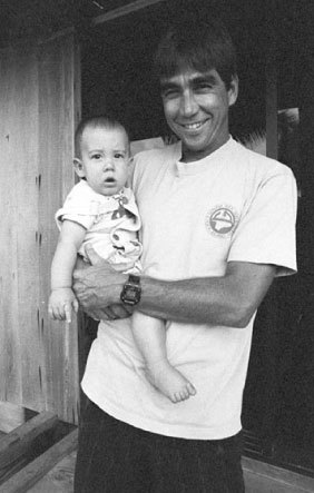 Father and son, at Pipeline | Denjiro Sato | 1989