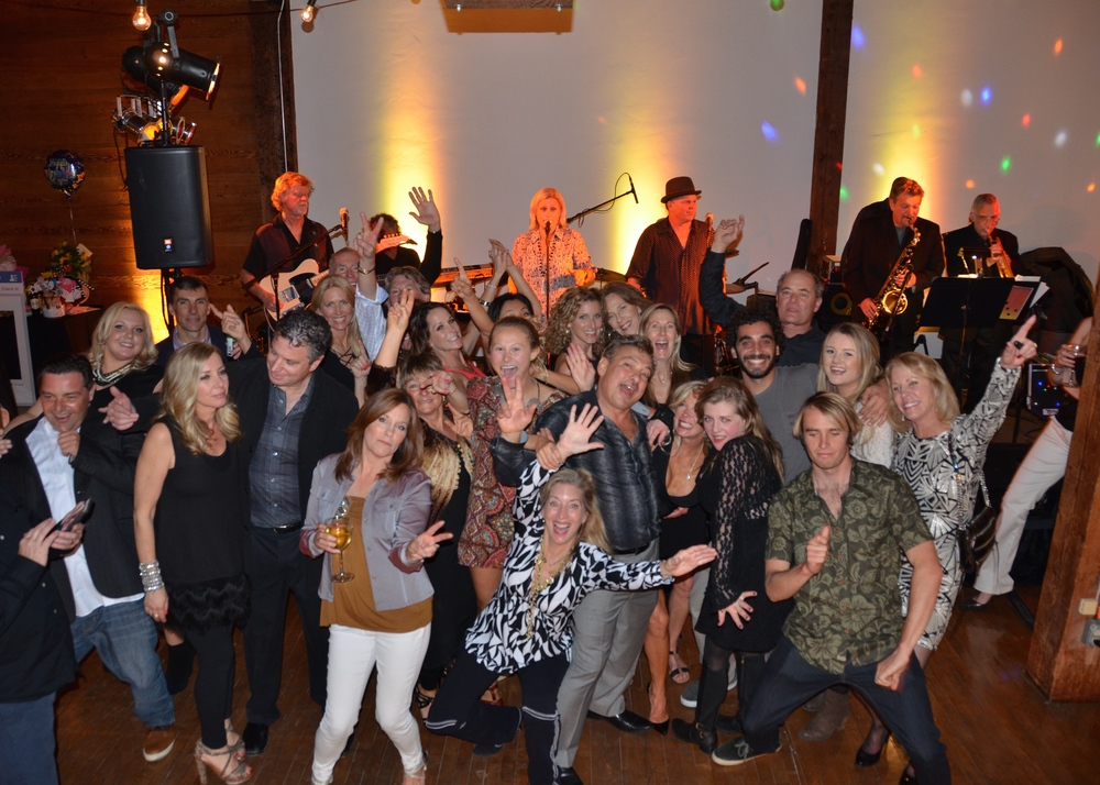 Shake ya tail feather, it's you're birthday! Birthday bashes are always a blast to be apart of. From sweet sixteens to swanky sixtieths, we've got you covered! Band Area 51 kept friends and family moving for this special fiftieth b-day celebration!