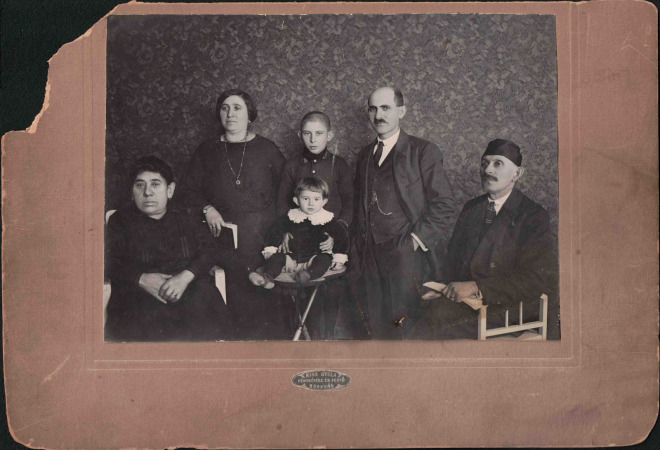 The extended Czeskyh family, on the eve of their voyage to America (Not pictured: Artur Czeskyh).