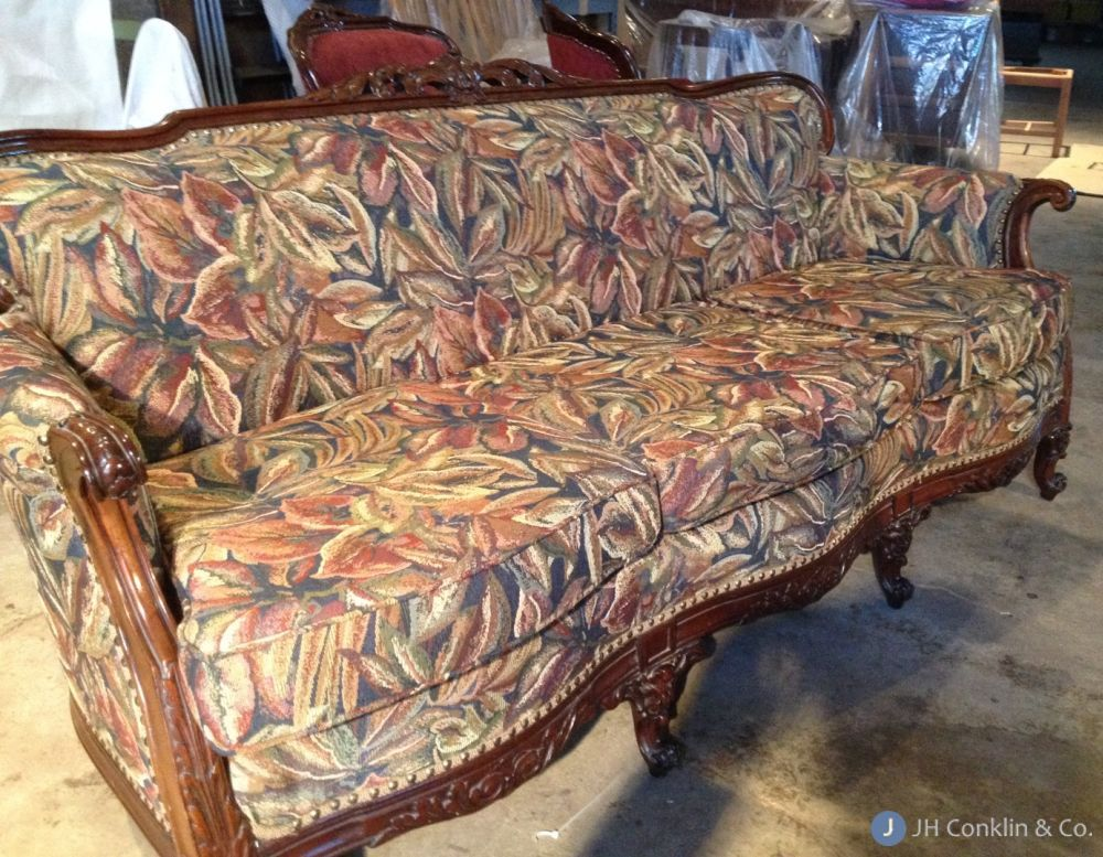 Exceptionnel Washington Twp Sofa Before Re Upholstery