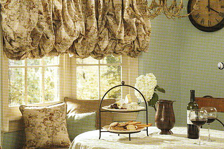 Gathered style balloon shade