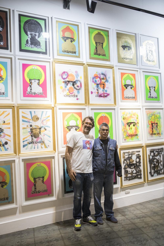 Mr and Mrs Mushroom, instalacion de 24 serigrafias (65x50cms) producida con Taller Cono Norte para WW3.Psicodelia. Aqui en la foto con el maestro Lescano, que, como Batman, no sabe sonreir para la prensa.