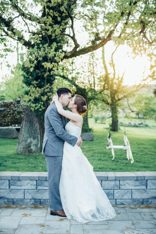 grace--jesus-wedding_34353507985_o.jpg