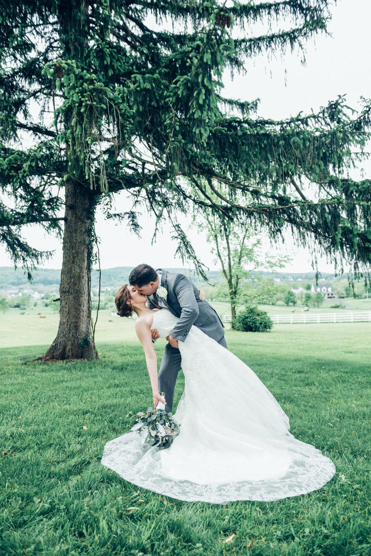 grace--jesus-wedding_34353510565_o.jpg
