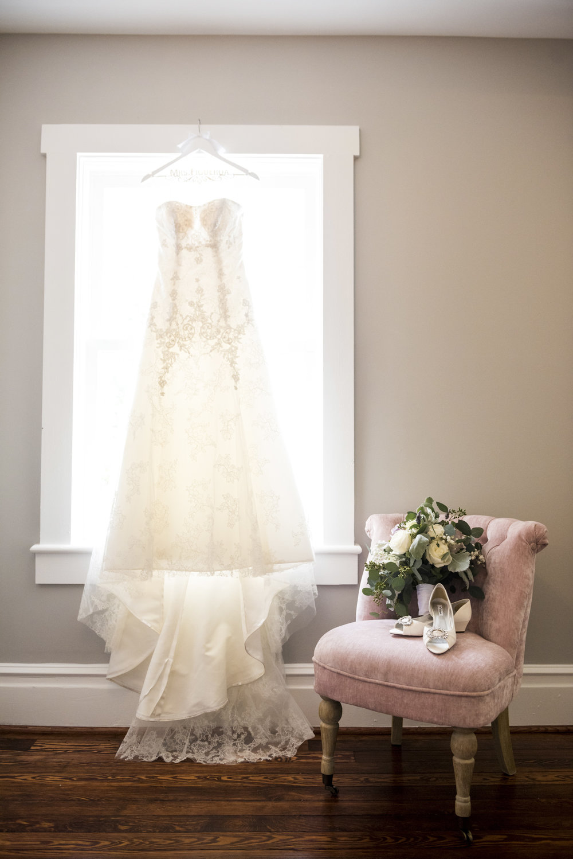grace--jesus-wedding_34353516135_o.jpg