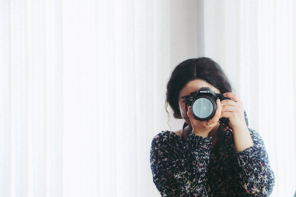camera-casual-fashion-947785.jpg