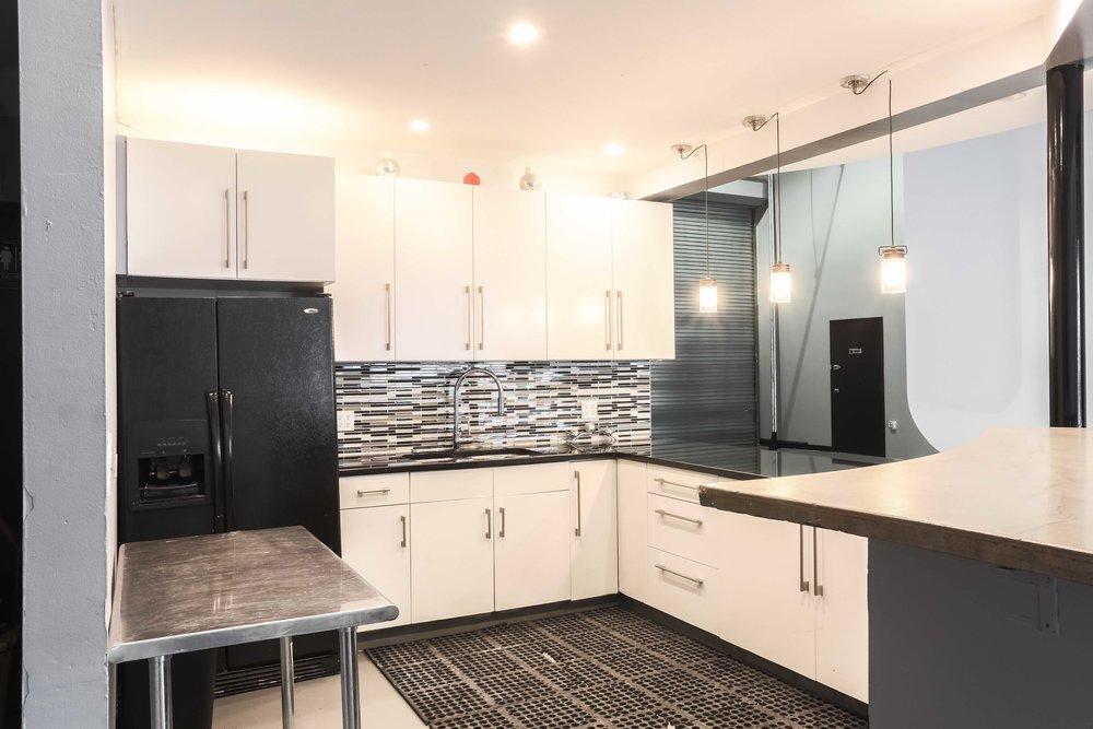 cyc-studio-shooting-kitchen.jpg