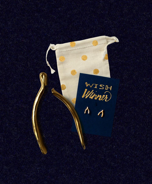 Friendsgiving 2015 | Navy, White & Gold Holiday Dinner | Sugar & Gold