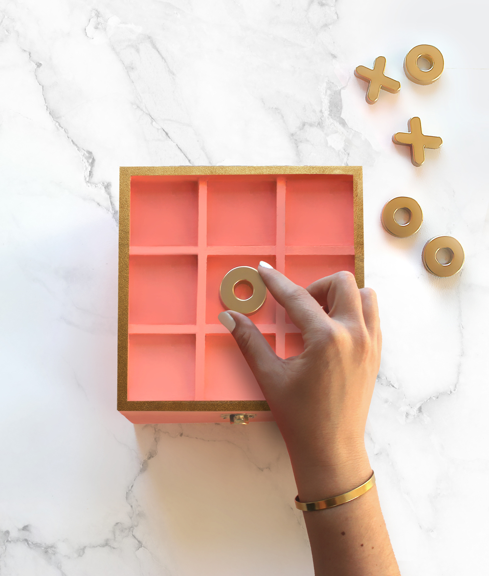 DIY Magnetic Tic-Tac-Toe Gold & Coral Box | Valentine's Day XOXO | Sugar & Gold