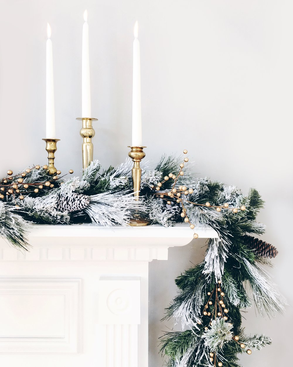 Sugar & Gold | Snowy Holiday Mantle
