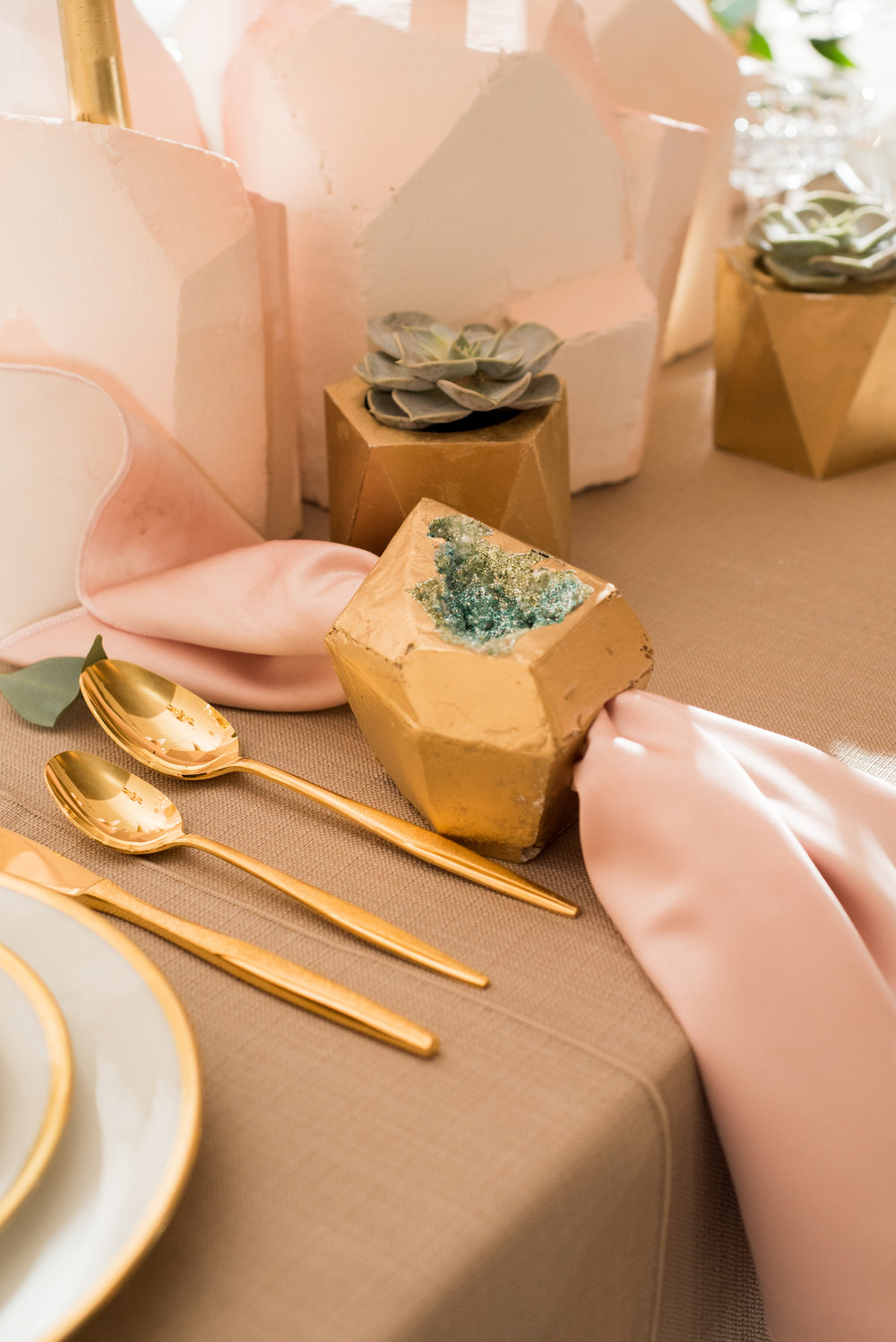Sugar & Gold | Geode Wedding Inspiration Shoot | Faceted Napkin Ring with Glittering Geode Center