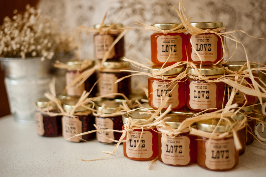 Customized Jars of Jam via Pinterest