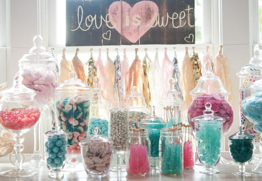 Candy Bar via One Wed