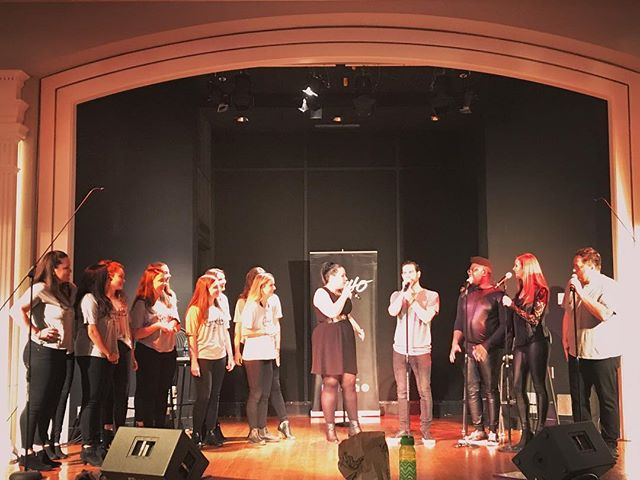 """The best part of tonight's show was when @uiucgnd Girls Next Door joined us onstage to sing """"Respect""""!! Nice meeting you ladies, it was fun singing with you! . . . . #Eh440 #Acappella #GirlsNextDoor #Urbana #Illinois #FunShow #Respect  #AcappellaLife #BandLife #TourLife"""