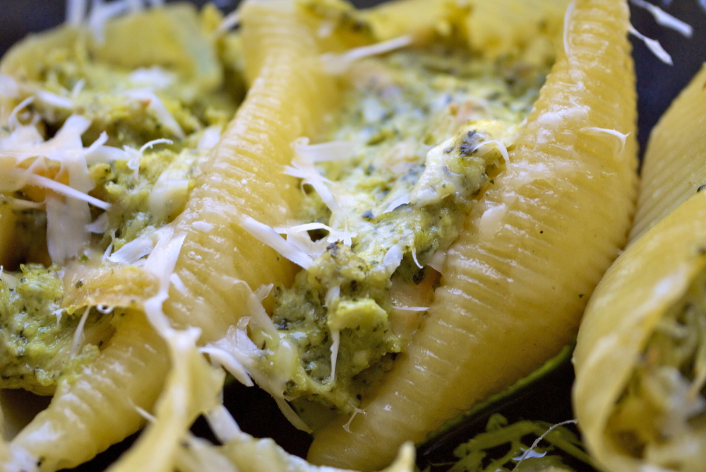 chicken pesto stuffed shells.jpg