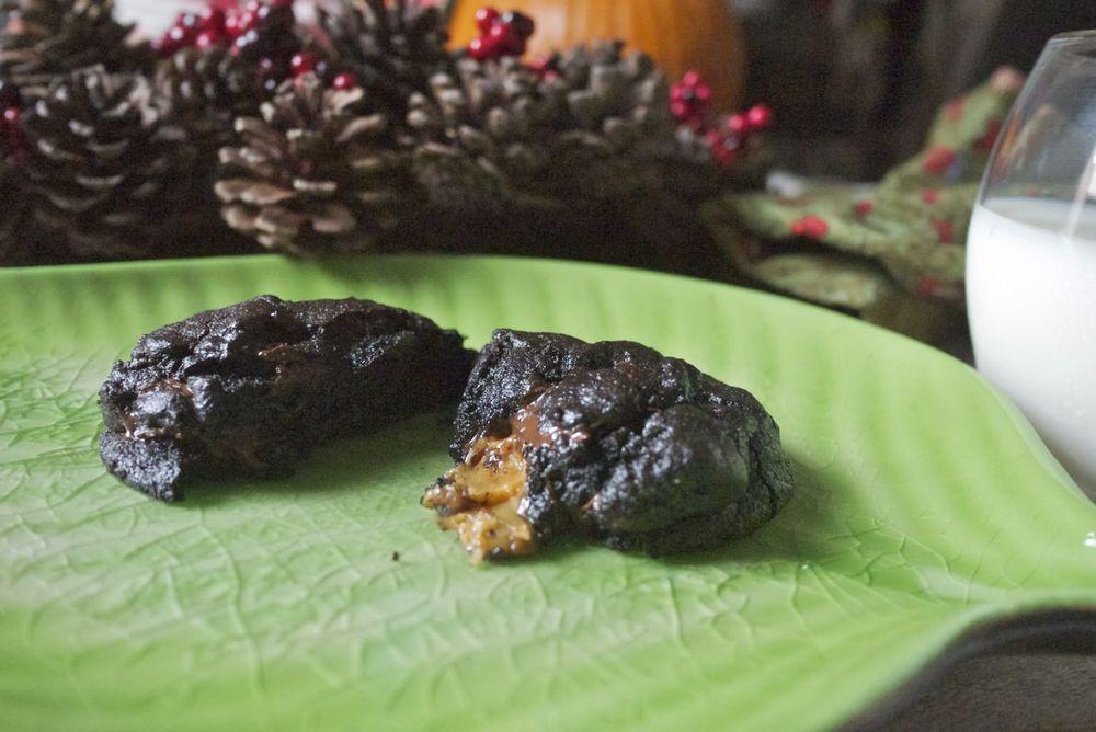 gooey molten caramel chocolate cookies