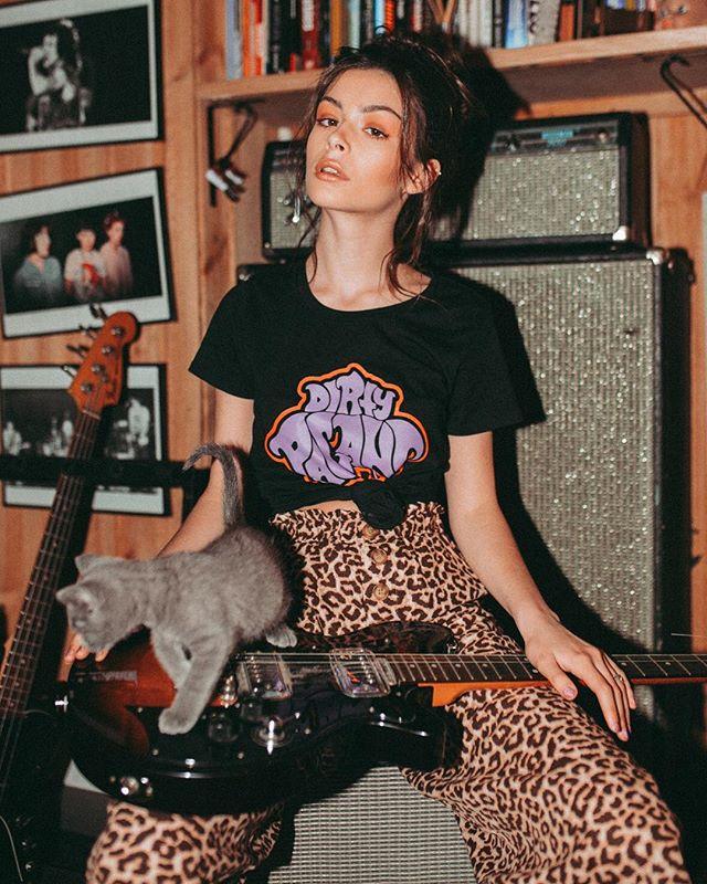 But, the kitten's got claws; she'll tear your heart out. The kitten's got claws; she'll scratch your back. 🐆  @oliviaphillipps from @finesse_models_australia x @rockretroscissors x @brookekastelyn_mua x @osbornavenue x @wadewhitington x @dirtypagans x @catafinc x @wundenbergs.  #teo #teomag #teomagazine #musicmakers #kittensgotclaws #finessemodels #oliviaphillips #wundenbergsrecordingstudio #wundenbergs #adelaiderecordingstudio #dirtypagans #guitar