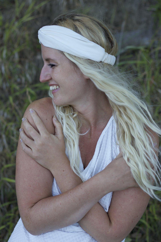 Essensprogram intuition essens kundalini yoga program online nickoline camille meditation yoga selvværd selvtillid mantra hjem til dig selv din kerne spirituel veninder