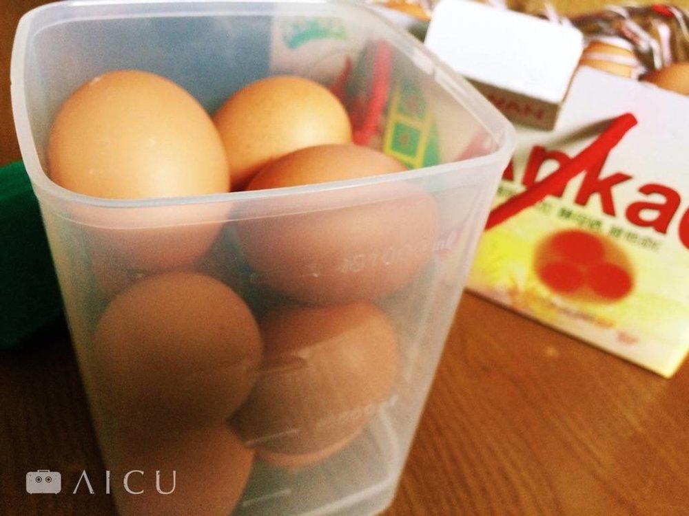 吃完馬修優格的容器拿來裝但非常適合,而且省冰箱空間。