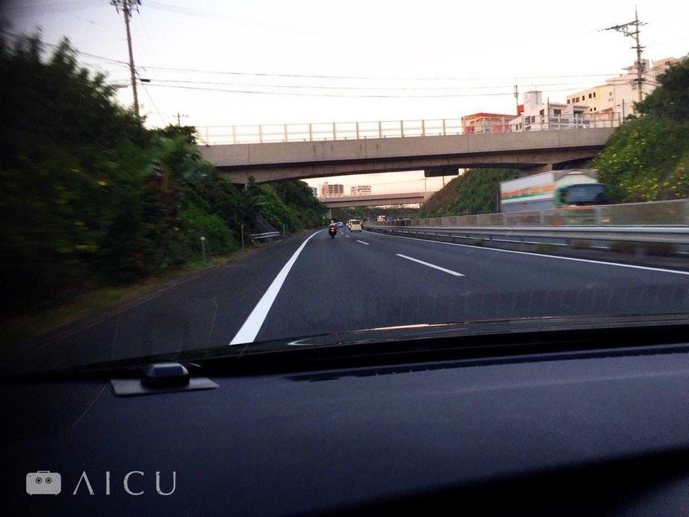只要確實遵守交通規則,慢慢開不用急,就會發現台灣開車錯得多厲害。