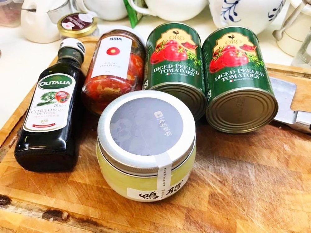 鴨油、橄欖油、番茄罐頭
