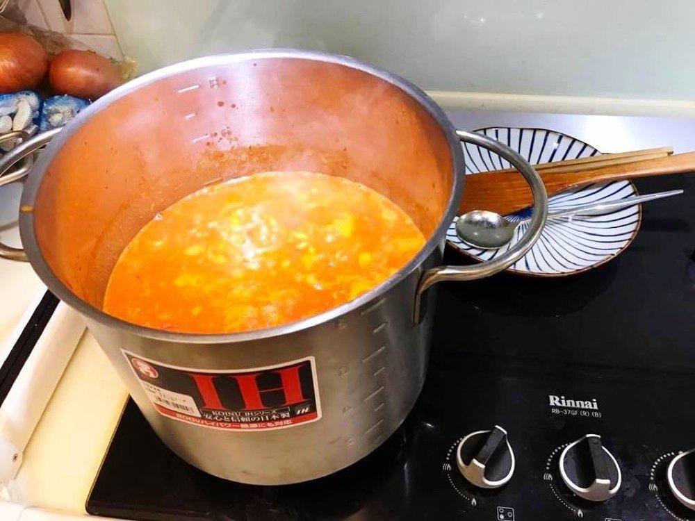 熬煮了一晚的番茄肉醬醬汁
