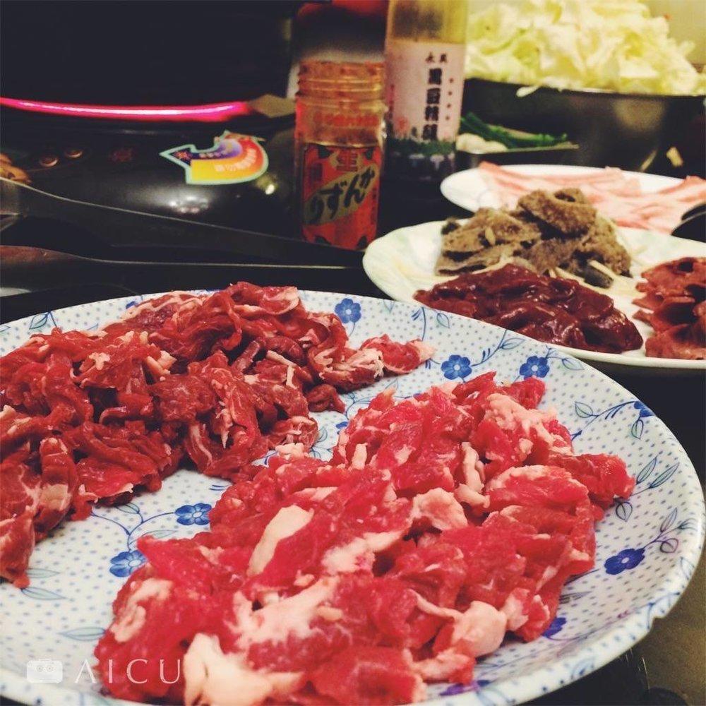 燙涮五秒,吃得到溫體牛肉結實鮮甜。外帶一樣好。