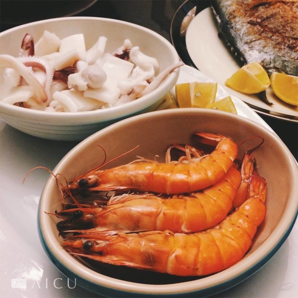 阿禾師白蝦,大尾結實肉多,越嚼,濕潤的蝦肉在口中一直冒出甜甜肉汁。