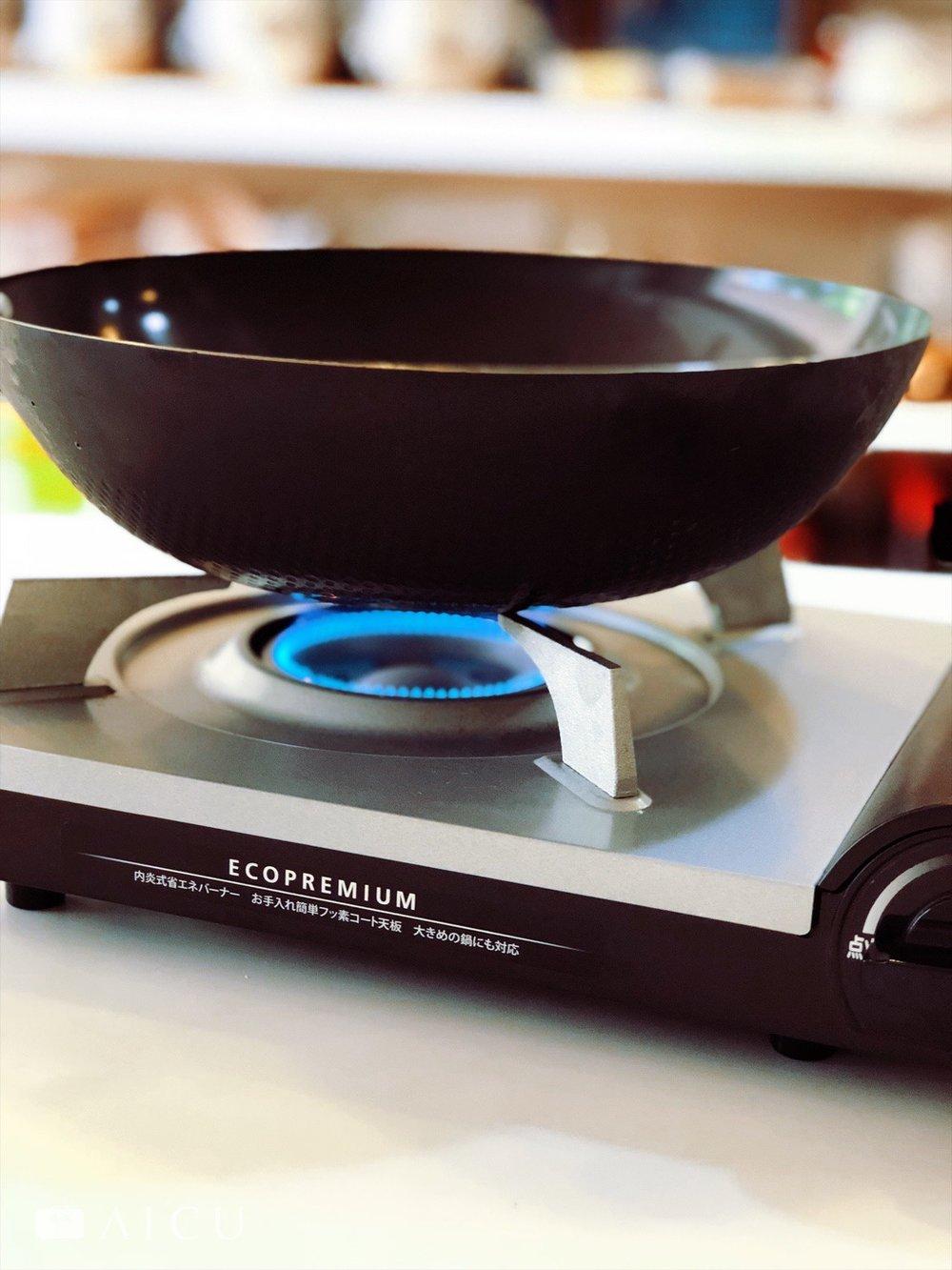 瓦斯爐不挑鍋,什麼鍋都能用,但記得要學習好火力的調整,就能控制好各種火力。