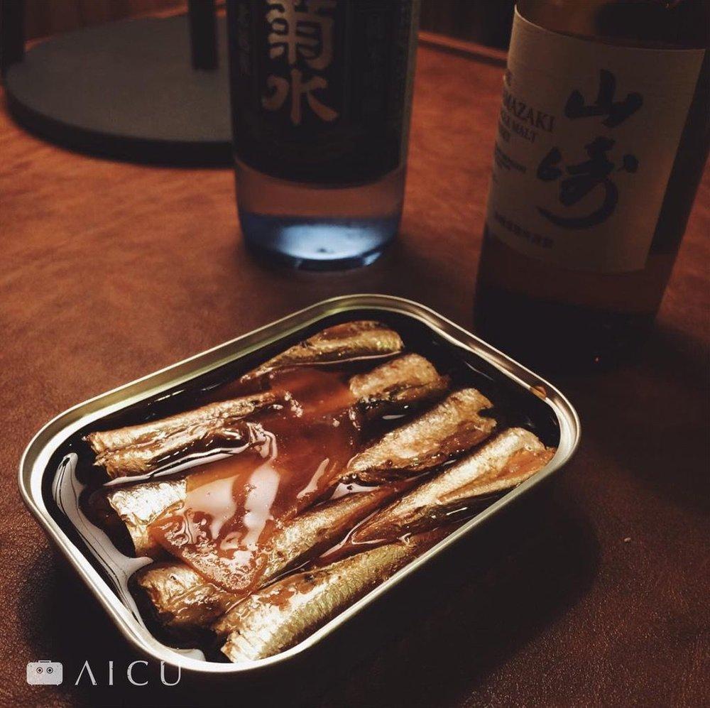 日本的魚罐頭也是常備宵夜菜,這是缶つまプレミアム 日本近海どり 和風サーディン。