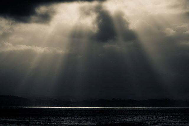 #goldcoast #queensland #australia #dark #stormy #lightrays  www.facebook.com/wildphotoaustralia www.wildphotoaustralia.com