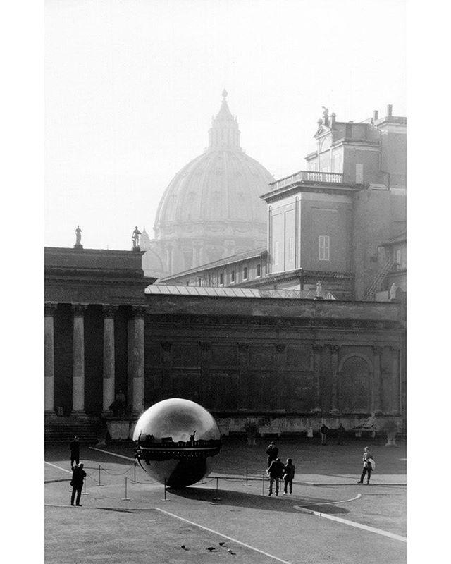 #stpeters #vatican #rome #monochrome #blackandwhite #film  www.facebook.com/wildphotoaustralia www.wildphotoaustralia.com