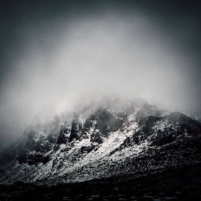 #snow #mountains #dark #tasmania #australia #monochrome (repost)  www.facebook.com/wildphotoaustralia www.wildphotoaustralia.com