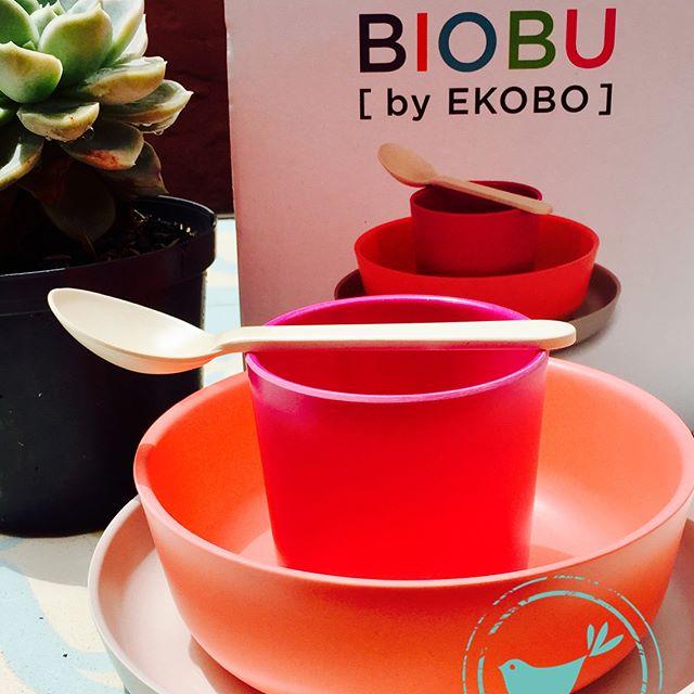 Color pop!! Set de bambú para niños. Disponibles en nuestra tienda Cra 5 #66A-06 y tienda CC andino local 331.  #bebedc #greenbaby