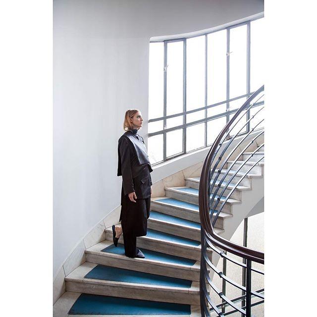 #fashion #fashionphotography #editorial #black #architecture #bauhaus #pozsonyi38 #elevator #photography #vsco #vscocam #insatcool #instadaily #mik #budapest
