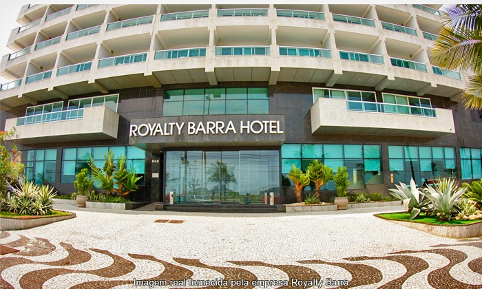 Front entrance of the Royalty Barra Hotel