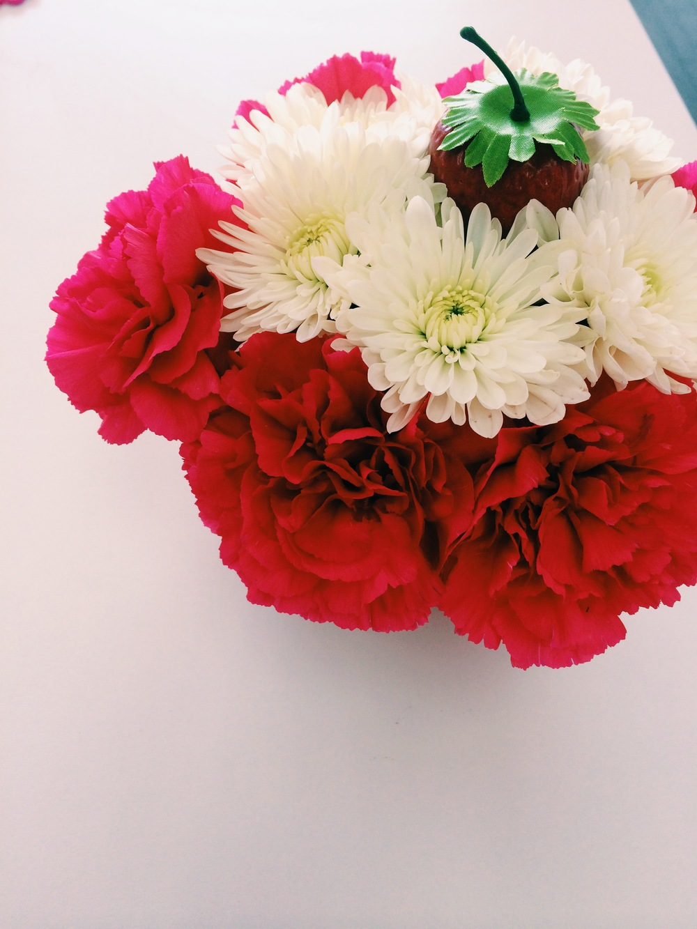 Need a centerpiece for your next party? 2Sweet is a one stop shop for all your party planning needs.