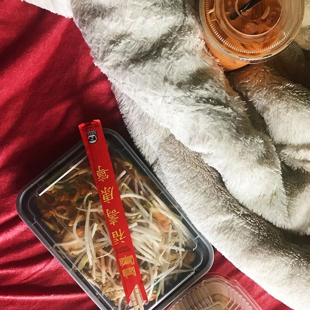 I had a grand plan to go to a lavish spa, and indulge in all sorts of goodness for my birthday. 🛁 But I realized driving to the spa, and changing clothes and showering so many times is actually work, and over-thinkers don't really do relaxing well. That whole centered and present mindset doesn't come easy so instead I'm eating Pad Thai, sipping on milk tea, and binge watching @wentworthonfoxtel in the glamorous setting of my unmade bed next to clean clothes I don't want to put away. 🛏 But my toes are painted and thank goodness my eyebrows were tended to, so this birthday goes in the good books thus far. #womenirl #hotmessinadress