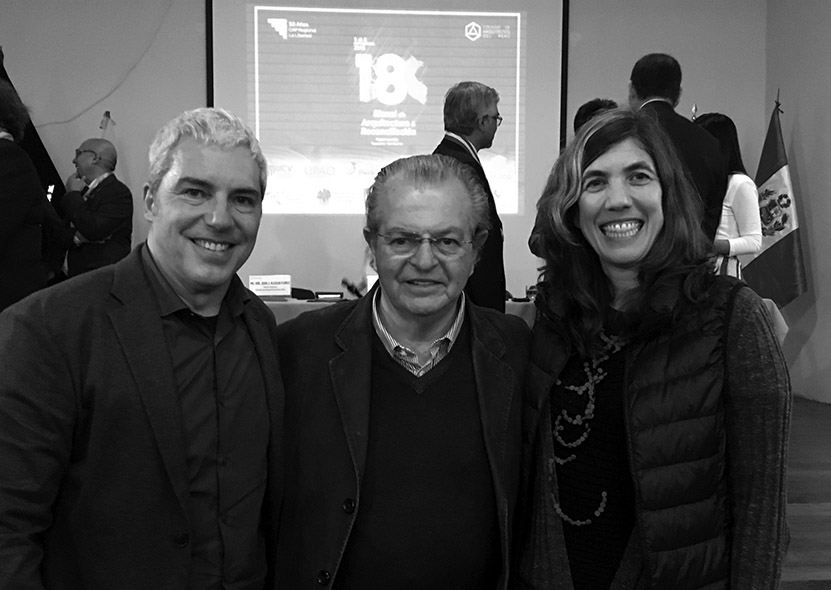 con nuestro maestro / with our professor Juvenal Baracco after the prize ceremony