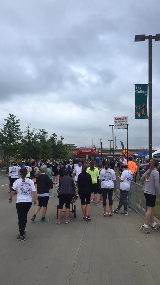 runners crowd.jpg