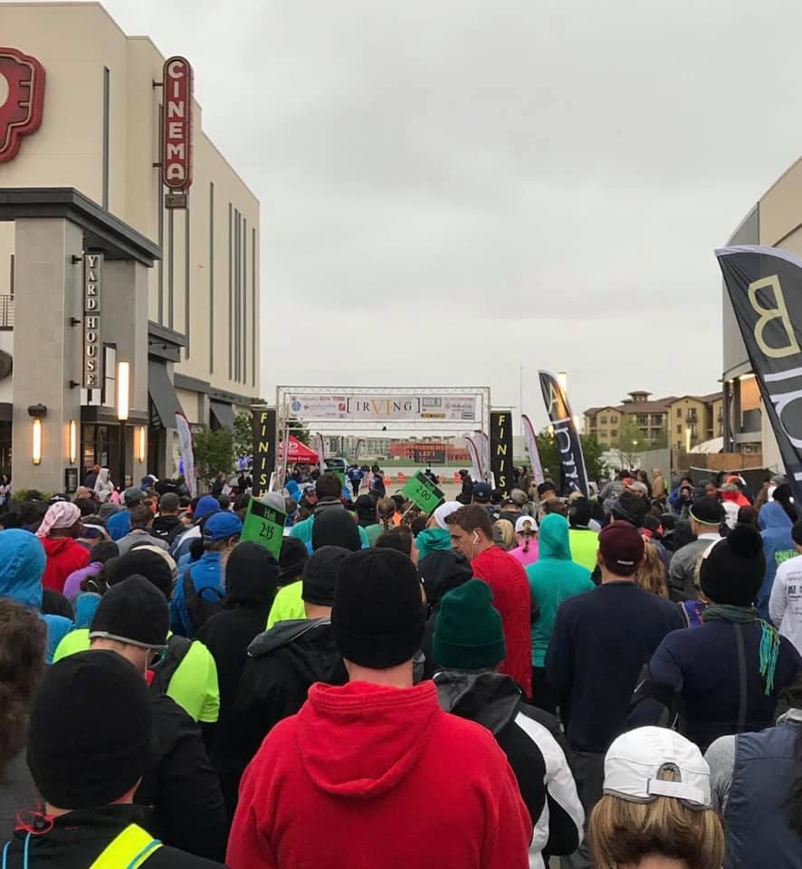 runners starting line.jpg