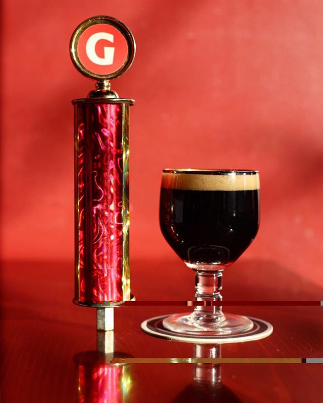 @giganticbrewing Kiss The Goat Black Doppelbock is perfect for this deep winter and way too early freezing weather. Dark, extra roasty, toffee, plum, cherry, coffee, vanilla, warmth.