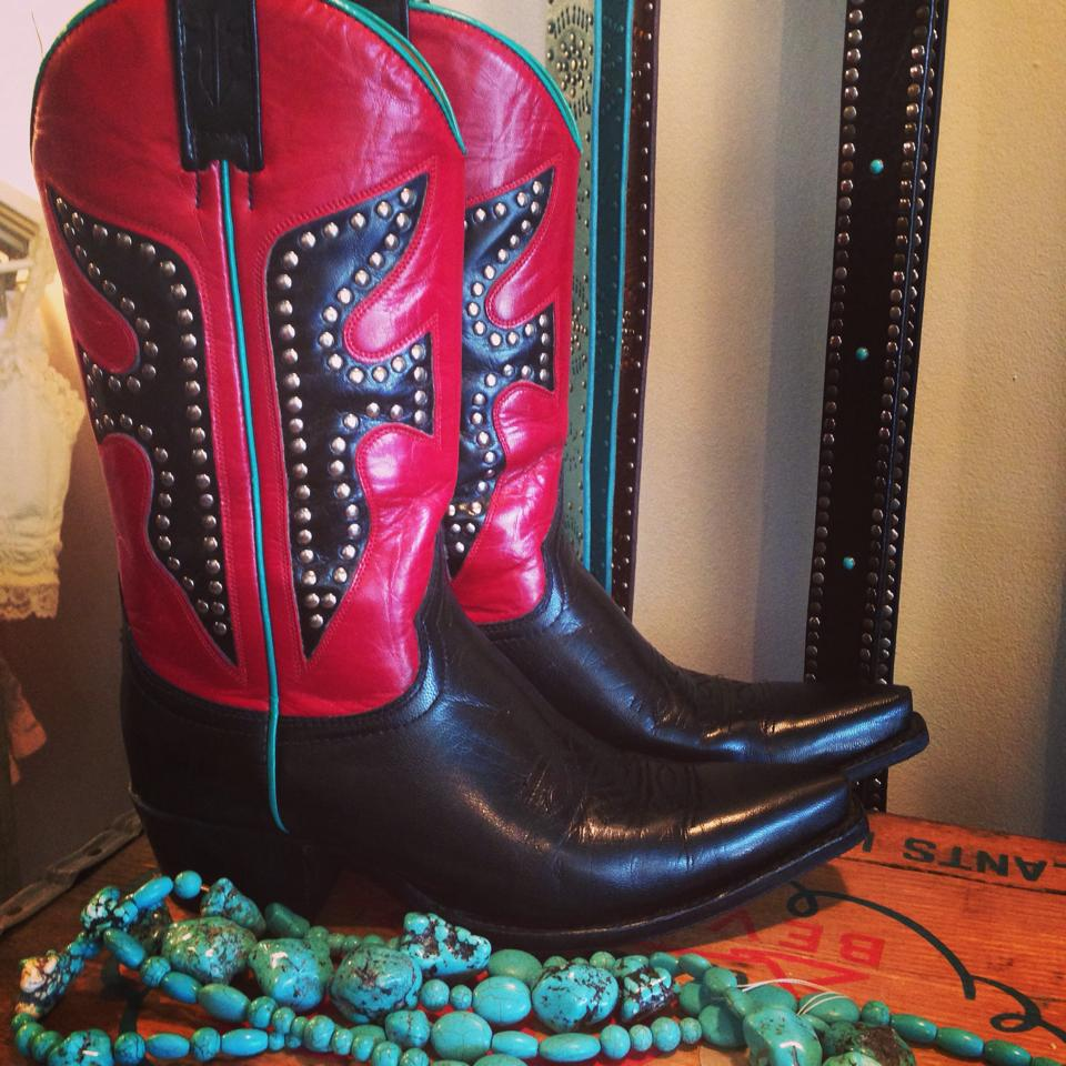 boots1.jpg