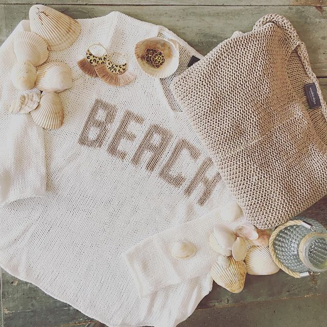 My favorite summer knits have returned @woodenshipsknits . . #summerknits #womensfashion #boutiquefashion #womensboutique #dresstoexpress #dressforcomfort #casualchic #funfashion #lovelocal #01940 #marketstreetlynnfield #outdoormarket #shoppingexperience #supportsmallbusiness #piavibes #woodenships #retailtherapy @pia_lovesfashion @marketstreetlynnfield