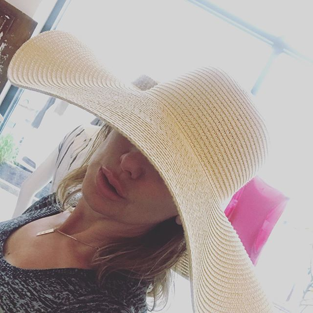 Wearing many hats - today - always - every day. . . #strawhat #summerhat #funhats #fashionhats #fashonistas #accessories #fedora #wearingmanyhats #sunprotection #expressyourself #womensfashion #womensboutique #piavibes #funboutique #affordablefashion #retailtherapy #shopsmall #lovelocal #community #marketstreetlynnfield #01940 #northshorema #shoppingexperience @pia_lovesfashion @marketstreetlynnfield