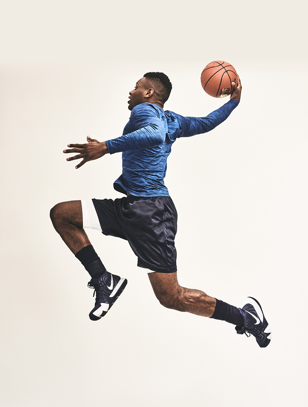 Everett_Aaron_Okayama_Basketball0.jpg