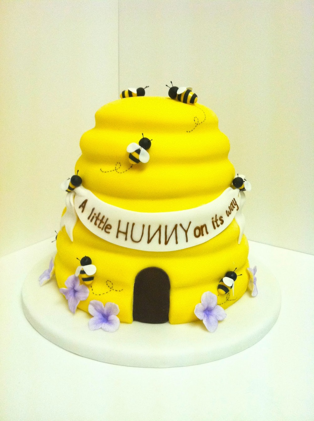 eatcakebemerry_honey_beehive_cake.jpg