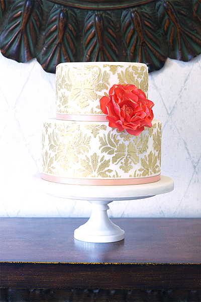 eatcakebemerry_gold_damask_cake.jpg