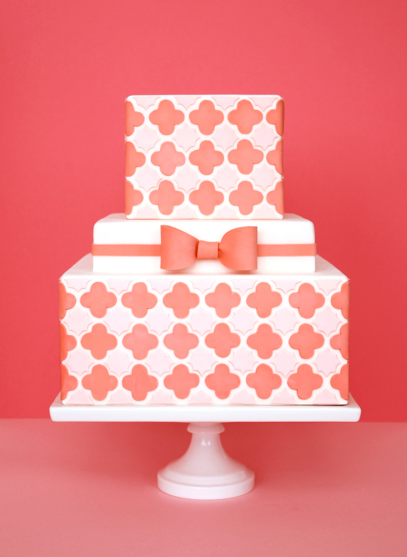 eatcakebemerry_quatrefoil_cake.jpg